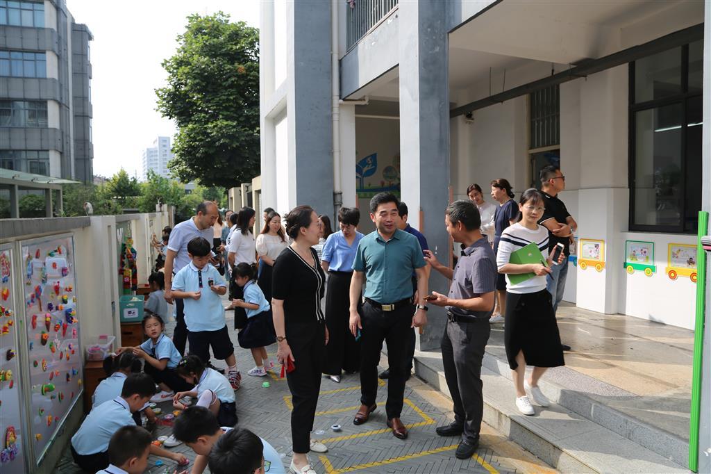 丹阳市幼小衔接试验区推进工作会议在实验小学召开